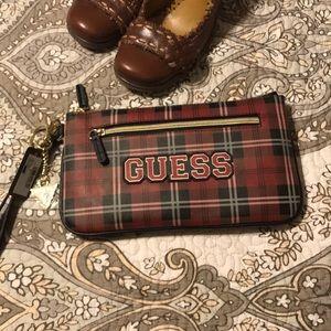 Guess Clutch wristlet